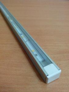 светильник с прямоугольным корпусом
